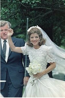 Caroline kennedy with her uncle teddy on her wedding day for Tatiana schlossberg wedding dress