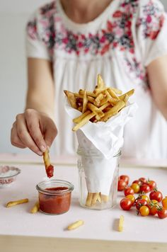 If you've ever wanted to make homemade DIY ketchup, but found it a little too fussy for your taste, the slow cooker is about to change that. Use your crockpot with this recipe and you'll slowly make a deep, vibrant condiment that's like nothing you'll ever taste from the grocery store.