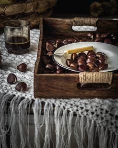 Τσουρέκι με κρέμα κάστανο και μαύρη σοκολάτα - Teti's flakes Tray, Trays