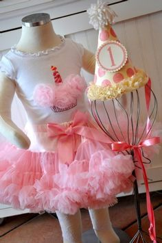 Would love an outfit like this for baby girls first birthday next year!