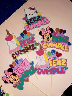Cumple My Little Pony, Foam Sheet Crafts, Foam Sheets, Couple Photography Poses, Cake Toppers, Minnie Mouse, Scrap, Lettering, Birthday