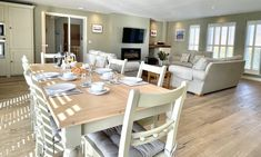New England Style, England Fashion, Beach House, Dining Table, Rustic, Luxury, Furniture, Home Decor, Beach Homes
