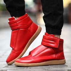 2017 New High Top zapatillas Hombre Hook&Loop Flats Casual Shoes Boots Ankle Shoes Men Trainers Red Black Color Chaussure Homme Sneaker Outfits, Red Sneakers Outfit, Sneakers Mode, Shoes Boots Ankle, Men's Shoes, Shoes Men, Louboutin Shoes, Platform Shoes, Mens Fashion Shoes