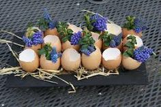 Easter flower arranging Nice Easter brunch, high tea, dinner or BBQ! - Easter flower arranging Nice Easter brunch, high tea, dinner or BBQ! Easter Flower Arrangements, Easter Flowers, Easter Table Decorations, Flower Decorations, Bradford Pear Tree, Diy Ostern, Deco Floral, Deco Table, High Tea