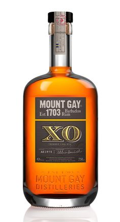 14 Best Sipping Rums - Expensive Rum Brands to Drink Straight Rum Bottle, Liquor Bottles, Alcohol Bottles, Glass Bottle, Cigars And Whiskey, Scotch Whiskey, Whiskey Glasses, Expensive Rum, Expensive Whiskey Brands