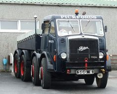 Heavy Duty Trucks, Heavy Truck, Antique Trucks, Vintage Trucks, Cool Trucks, Big Trucks, Old Lorries, Classic Motors, Tow Truck