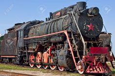 Très-ancienne-locomotive-vapeur-russes-communistes-