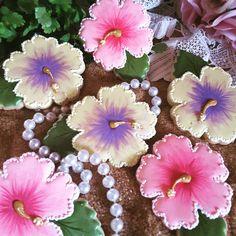Hibiscus cookies, flower cookies, tropical cookies, decorated cookies, sugar cookies