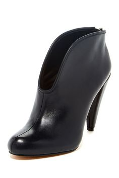 The cut of this bootie is one of my favs!