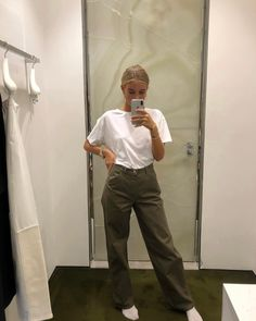 Josefine H. J casual outfit Fashion Killa, Look Fashion, Fashion Outfits, School Looks, Socks Outfit, Vintage Outfits, Cheap Fashion Jewelry, Summer Outfits, Cute Outfits