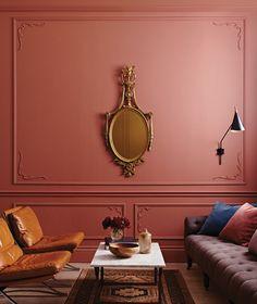 grand panneau au dessus de la cimaise (couleur Porphyry Pink 49, Farrow and Ball)