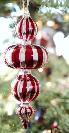 christmas.quenalbertini: Vintage Christmas ornament | La dama delle camelie