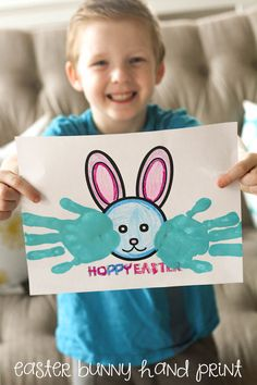 Hoppy Easter Bunny Hand print - CUTE!  Free printables on { lilluna.com }
