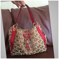 MK LUDLOW BAG Like new condition Item #:13220839 Type:Satchels Measurements:14.0 x 7.0 x 17.0 Brand:MICHAEL Michael Kors Style/Collection:Ludlow  Style Tags:MICHAEL Michael Kors Satchels Michael Kors Bags