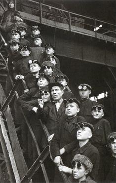 Советский мастер фотоискусства Аркадий Шайхет. Будущие сталевары. Днепродзержинска. 1950 г