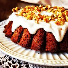 Quirky Cooking: One Bowl Thermomix Carrot Cake! {gluten free, dairy free} can be nut free! with coconut cream icing: coconut cream, lemon juice, vanilla honey Sugar Free Carrot Cake, Gluten Free Carrot Cake, Gluten Free Sweets, Gluten Free Cakes, Gluten Free Baking, Dairy Free Recipes, Sweet Recipes, Real Food Recipes, Cake Recipes