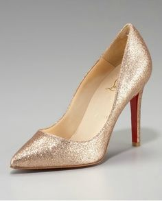 Christian Louboutin Pigalle Glitter Pump Oh wedding shoes. Red Bottom Shoes, Glitter Pumps, Gold Glitter, Gold Shoes, Navy Shoes, Evening Shoes, Red Bottoms, Pretty Shoes, Christian Louboutin Shoes
