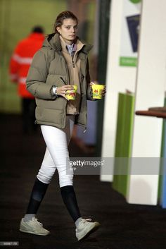 French-Greek Athina Onassis carries snacks, 24 Februray 2006 during the second day of the Jumping of Hasselt. Get premium, high resolution news photos at Getty Images Maria Callas, Athina Onassis Roussel, Aristotle Onassis, Jacqueline Kennedy Onassis, Opera Singers, Celebs, Celebrities, Horse Riding, Carry On