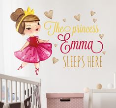 A beautiful personalized children's wall decal that is ideal for your little princesses at home. A sweet and exclusive illustration. #Princess #GirlsBedroom #WallSticker