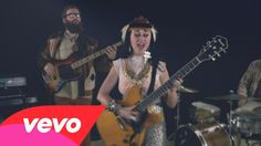Hiatus Kaiyote - Breathing Underwater. My favorite band right now with another brilliant song and video.