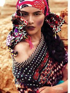 stylist: I love this boho ethnic style. Boho Gypsy, Gypsy Chic, Hippie Bohemian, Gypsy Style, Hippie Chic, Bohemian Style, Bohemian Hair, Boho Girl, Bohemian Design