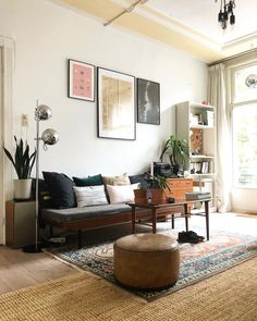 How To Quickly And Easily Create A Living Room Furniture Layout? Interior Rugs, Interior Design Kitchen, Home Living Room, Living Spaces, Living Room Furniture Layout, Beautiful Sofas, Interior Design Inspiration, Decoration, Room Decor