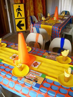 construction party-LOVE the caution fence as a table overlay....