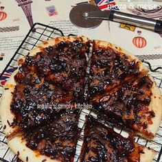 Pizza Manis : Meises & Moza Tuna Pizza, Baking Recipes, Waffles, Pork, Meat, Breakfast, Desserts, Awesome, Cooking Recipes