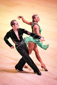 sorry for all the ballroom spam! But hey muscles though. Riccardo Cocchi and Yulia Zagoruychenko