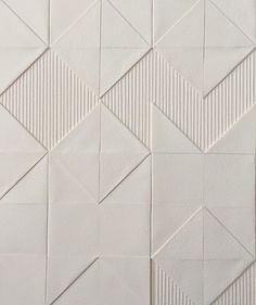 "Liz Sofield ""Aztec Weave"" - paper art texture SCOUTED: Textile paper artworks by Liz Sofield - We Are Scout Wall Patterns, Textile Patterns, Floor Patterns, Sgraffito, Parametrisches Design, Design Blogs, Tile Design, Look Wallpaper, Paper Wallpaper"