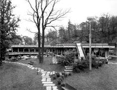 Ignazio Gardella, la nuova mensa Olivetti, realizzata nel 1961.