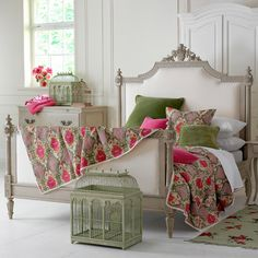 Chic Bedroom Furnished With French Furniture Including Bed Frame And Dresser : The Subtle Design And Elegance Of French Furniture Style Home Bedroom, Bedroom Decor, Master Bedroom, Bedroom Ideas, Bedding Decor, Bedroom Colors, Design Bedroom, Garden Bedroom, Pretty Bedroom