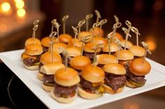 A Spirited Cocktail Hour - A super popular, tiny treat guaranteed to tempt guests? Mini-hamburgers, complete with bite-size buns and tomato jam, a tasty condiment made with tomatoes, sugar and lemons. Food Truck Wedding, Wedding Snacks, Wedding After Party, Wedding Reception Food, Before Wedding, Wedding Catering, July Wedding, Wedding Ideas, Midnight Wedding
