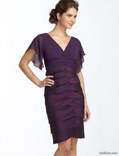 Elegant Sheath/Column V-neck Short Purple Chiffon Mother Wedding Dress - EveAllure