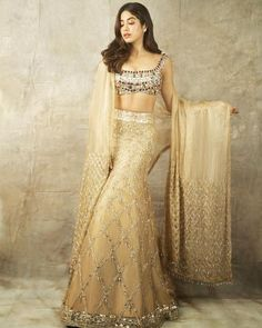 Stunning Diwali Outfits You Will Admire Diwali is a great season filled with joy, love and laughter. Diwali fashion will definitely make you smile. Bollywood Diwali style is incredible. Diwali Dresses, Diwali Outfits, Manish Malhotra Lehenga, Lehenga Choli, Lehnga Blouse, Sarees, Diwali Fashion, Bollywood Fashion, Indian Bollywood