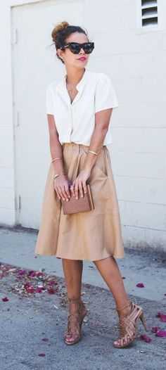 So fun! Not sure if I could pull off a skirt this length. But I love the feel of this outfit.