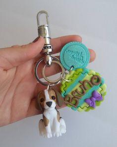 llaverito de Bruno hecho hace un tiempo! información y pedidos al + 56 9 86146232 #beagle #dog #doglover #personalize #llaveros #keychain #handmade #polymerclay #coldporcelain #cute #hechoenchile