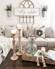If you are looking for Modern Farmhouse Living Room Decor Ideas, You come to the right place. Here are the Modern Farmhouse Living Room Decor Idea. Modern Farmhouse Living Room Decor, Glam Living Room, Country Farmhouse Decor, Home Living, Farmhouse Furniture, Farmhouse Style, Farmhouse Ideas, Rustic Furniture, Modern Living