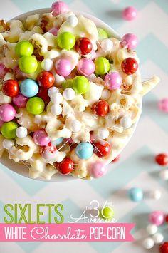 Festive White Chocolate Popcorn!