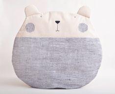 Orso grigio cuscino Cuscino decorativo di JuliaWine su Etsy