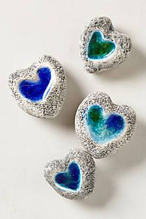 Love rocks - because of my obsession with heart shaped rocks. I Love Heart, Happy Heart, Heart In Nature, Love Rocks, Stone Heart, Rock Crafts, Stone Painting, Rock Painting, Pebble Art