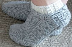 Galler Yarns: Cabled Cozies Slippers Pattern by Stacey Gerbman free pattern