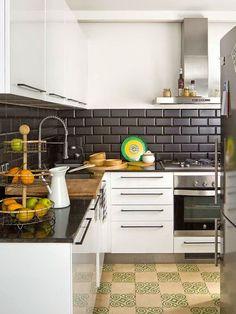 Jurnal de design interior - Amenajări interioare : Amenajare eclectică într-un apartament de 75 m²
