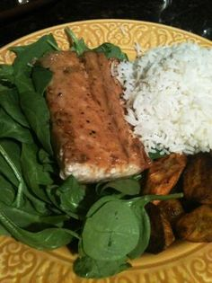 Mahi Mahi With Brown-Sugar Soy Glaze So easy to make! This glaze also works on other fish like halibut. The recipe is from Gourmet Magazine (Oct. Fish Recipes, Seafood Recipes, Great Recipes, Dinner Recipes, Favorite Recipes, Healthy Recipes, Dinner Ideas, Seafood Menu, Hawaiian Recipes