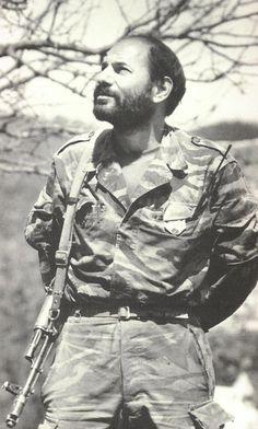 Monte Melkonian. Żołnierz, bohater, patriota. [Monte.jpg]