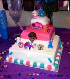 Jason made JoJo her 4th birthday cake!!! And he's not gay lol!