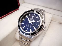 A gents stainless steel Omega Seamaster Co-Axial 'Planet Ocean' wristwatch.