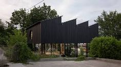 Best green creating would be a developing project that will allow you to save almost all of the natural environment around. Bauhaus, Industrial Sheds, Concrete Houses, Keep The Lights On, Interior Garden, Outdoor Living, Outdoor Decor, Photo Essay, Green Building