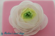 Marlene's sweet things: Ranunculus - Wafer Paper Flower