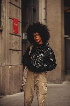 Street Style at the Milano Fashion Week Zara Fashion, Young Fashion, Black Women Fashion, Big Fashion, Fashion Tips For Women, New York Fashion, Fashion Advice, Urban Fashion, Fashion Brands